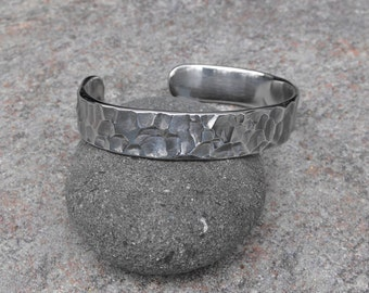"Hammered Cuff Bracelet, Cuff Bracelets, Bedrock Hammered Pattern, 1/2"" Wide Cuff, Stainless Steel, Industrial, Artisan Jewelry"
