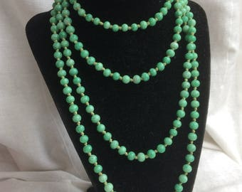 Vintage Green Peking Glass Bead Flapper Necklace