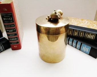 Vintage Brass Sea Shell Top Container, Palm Beach Chic Vessel, Brass Box, Hollywood Regency Box