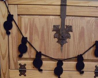 Cat Crochet Garland Primitive Folkart  Country Decor Rue23paris  We ship Internationally