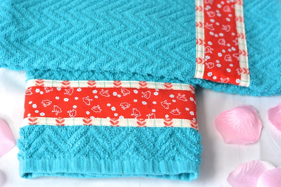 Turquoise Kitchen Decoration, 2 Hand Decorated Kitchen Towels, Set of Two Cotton Turquoise and Red Tea Towels, Lovely Aqua Dish Cloths