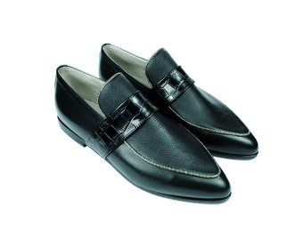 3 Texture Black Leather Pointy Toe Loafers Flats. (All women sizes) FREE shipping within the US