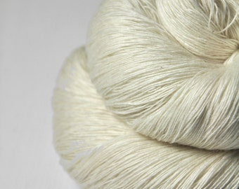 Ghost - natural Merino/Cashmere Fine Lace Yarn