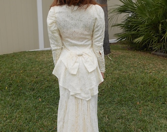 Vintage 1980s JESSICA MCCLINTOCK two-piece victorian-inspired cream lace wedding dress, size XS