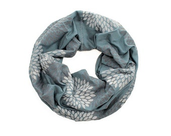 MINI INFINITY SCARF - Screen Printed - Gray Double Flowers on Ocean