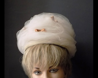 1960s Mod Bee Hive hat / netting with velvet accents /Tan / beige / creme / wedding