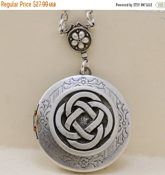 ON SALE Celtic Knot,Claddagh,Antique Locket,Silver Locket,Irish,Lucky, Silver Celtic Friendship Locket,