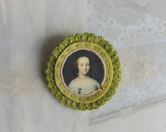 green felt brooch - rijksmuseum - Isaack Luttichuys - cameo brooch - green pin broach - brooch with lady portrait - victorian style brooch