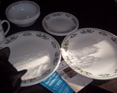 Corelle Winter Holly 4 - piece place setting - 16 total pieces NEVER USED with original box