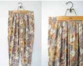 25% OFF SALE / vintage floral pants / muted rose patterned trousers / large