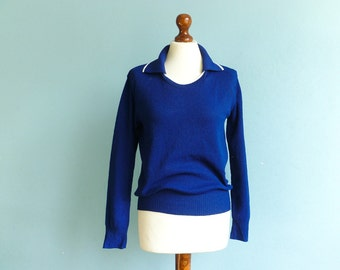Vintage 70s Sweater Top Blouse / Navy Blue White / Collar / Long Sleeve / Knitwear / Sporty / Hipster Preppy / small medium