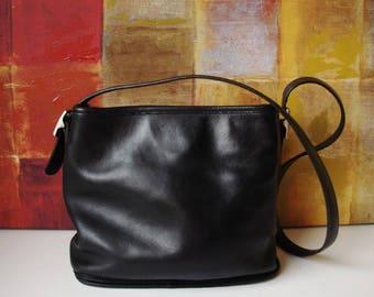 Vintage COACH Handbag Black Glove Tanned Leather Shoulder Bucket Bag