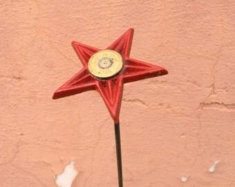 One Plant Stake Red Metal Flower Indoor Outdoor Garden Stake Office Art Junk gypsy decor Vase Filler Texas Gift Cast Iron Star shotgun shell