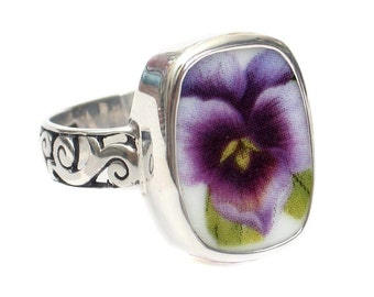 Size 10 Broken China Jewelry Purple Pansy Flower Thin Band Sterling Ring