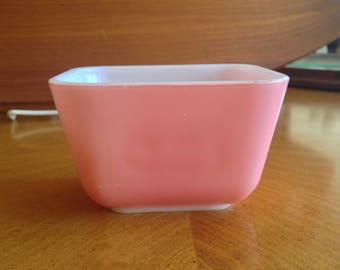Pyrex 501 Pink Refrigerator Dish