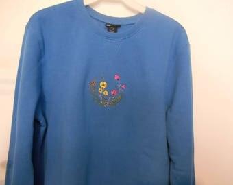 Ladies Sweatshirt/ Embroidered Sweatshirt/Size Large/ Spring Flower Embroidery/Birthday Gift/ Gift for Mom/Gift for Grandma/Blue Sweatshirt
