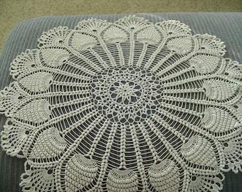 "Vintage Crocheted Pineapple Pattern Doily, VERY Large Vintage Doily, Web-Like Center Doily, 21"" diameter Doily, Vintage Linens"