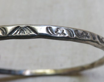 Gorgeous Alpaca Silver Narrow Bangle Bracelet, Mountain and Star Design