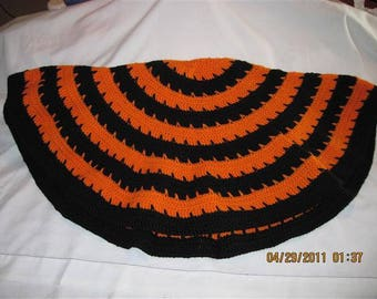 Circle of Love Laptop Blanket - Orange center & Black