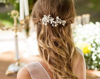 Crystals and pearls hair vine comb. Homemade hair comb for bride. Vintage look hair vine for bride. Boho weddings hair vine. Pearl hair vine