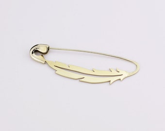 FIBULOSO VUELA hand sawed brass safety pin brooch