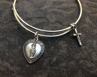 SPECIAL Heart Shaped Virgin Mother Mary Miraculous Medal adjustable bangle bracelet with beautiful detail Antique Silver finish Cross charm