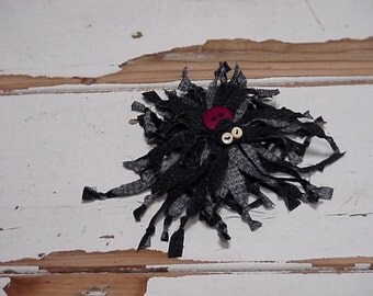 Spooky Spider Brooch, Tattered Halloween Corsage Lapel or Hat Pin, Costume Spider Hairclip Embellishment, Fall Home Decor itsyourcountry