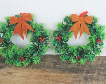 Vintage Plastic Christmas Wreaths Green with Berries Set of 2