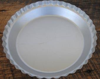 Vintage Wear-Ever Pie Pan Fluted Edge Aluminum No. 2865