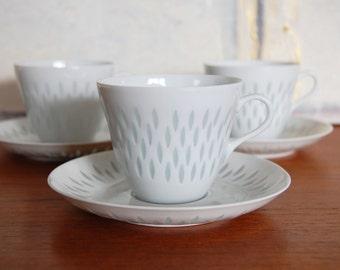Arabia Finland Rice Grains Porcelain Teacups and Saucers Set by Friedl Holzer-Kjellberg