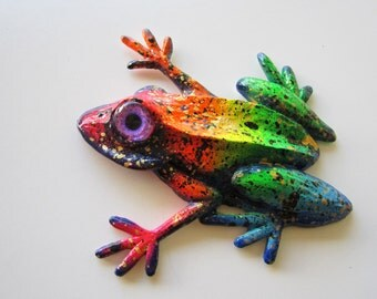 Frog wall decor