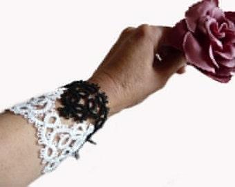 Handmade bracelet black and white -  vintage style - gift for her - gift for women - lace bracelet - OOAK - boho style