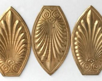 Rare Vintage Plaque, Shield Design, Tear Drop Fan Style Pattern, Jewelry Making, Jewelry Supplies, B'sue Boutiques, 61 x 35mm, Item09612