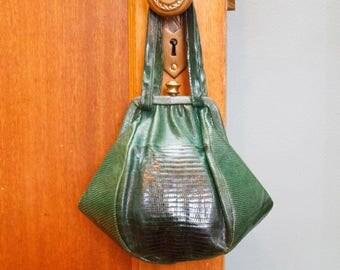 1940s Purse // Green Exotic Lizard Skin Brass Clasp Purse