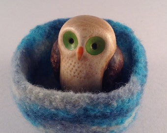 felted wool bowl, ring dish, jewelry holder, treasure bowl, desktop storage, office decor