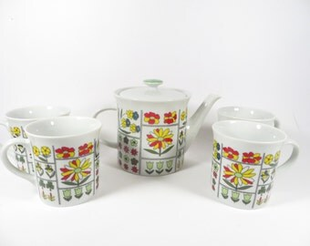 Vintage Flower Mugs and Teapot - Made in Japan Flower Garden Tea Set