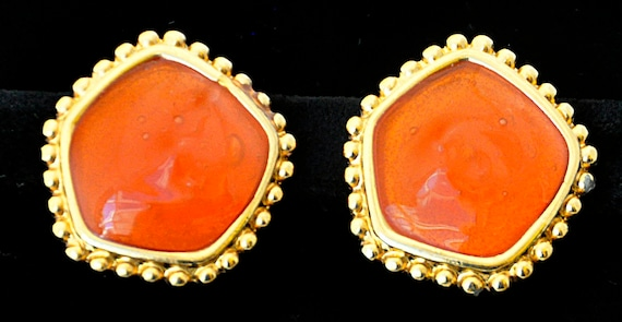Vintage 1980s MONET ORANGE CANDY Clip-On Earrings Gold Tone Abstract (5 side) Round Nail Head Edge Clear Lucite Comfort Paddles Lined Backs