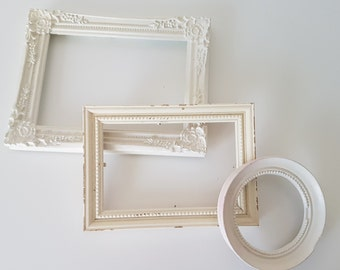 Set of 3 VINTAGE white picture FRAMES - in different sizes (FR06/16)