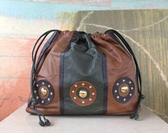80s Hala Leather Shoulder Bag • Vintage Brown Leather Purse • 80s Color Block Bag • Drawstring Leather Bag • Earth Tone Bag • 1980s Purse