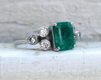 Gorgeous Vintage 14K White Gold Diamond and Emerald Engagement Ring - 3.10ct.