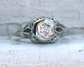 Pretty Vintage Filigree 18K White Gold Diamond and Sapphire Ring Engagement Ring.
