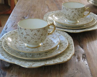 Grosvenor vintage china coffee/tea cup trio with matching cake plate