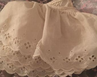 Eyelet Ruffled Lace Trim