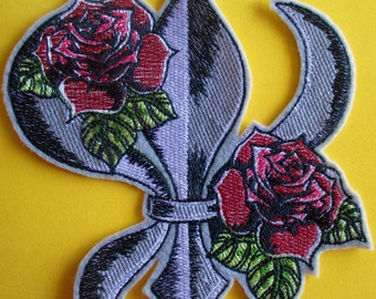 Large Embroidered Fleur de Lis Applique Patch, Tres Chic Classic French Style  Patch, Iron On, Sew On, Crafts and Decor