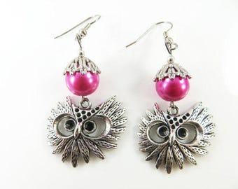 Owl face earrings in pink
