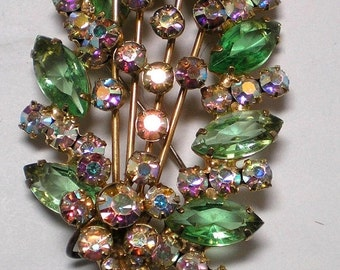 ON SALE DeLizza and Elster aka Juliana Green Leaf Brooch   Item No: 16025