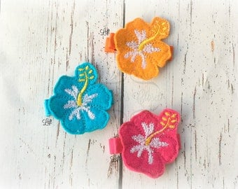 Hibiscus Hair clip Flower hair clippie Pick one, two or three. Pick Left side or Right.