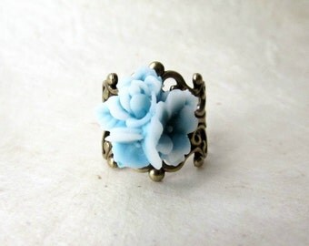 Blue Flower Ring, Blue and White Rose Bouquet Ring, Star Flower Ring. Adjustable Floral Resin & Bronze Filigree Ring. Soft Pastel Blue Ring.