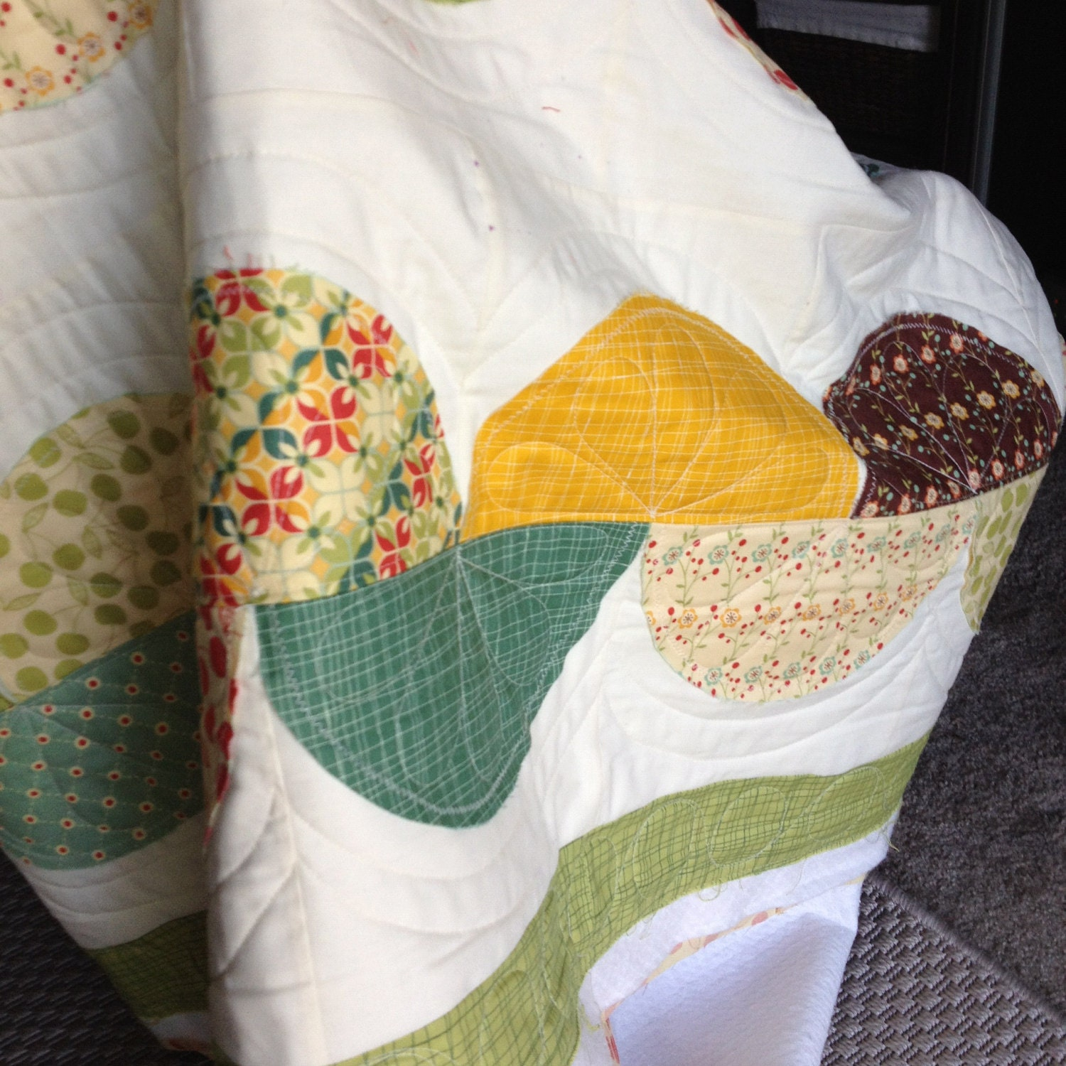 Tuesdays Tips ~ How Long Does It Take to Quilt a Quilt?  Pattern unknown quilting is freehand work.