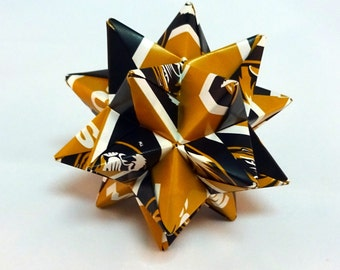 Small Origami Star Made From Licensed University of Missouri Tigers Paper, Mizzou Decoration, Christmas Ornament
